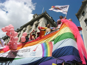 ゲイ&レズビアンの祭典PRIDE ロンドン2008 制服編