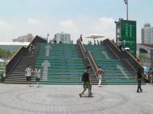 H.I.S.上海駐在事務所-橋を渡る