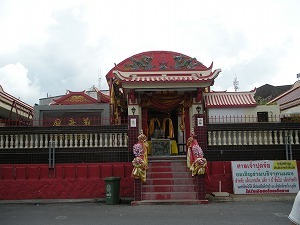 H.I.S.プーケット支店のブログ-プジョー寺院
